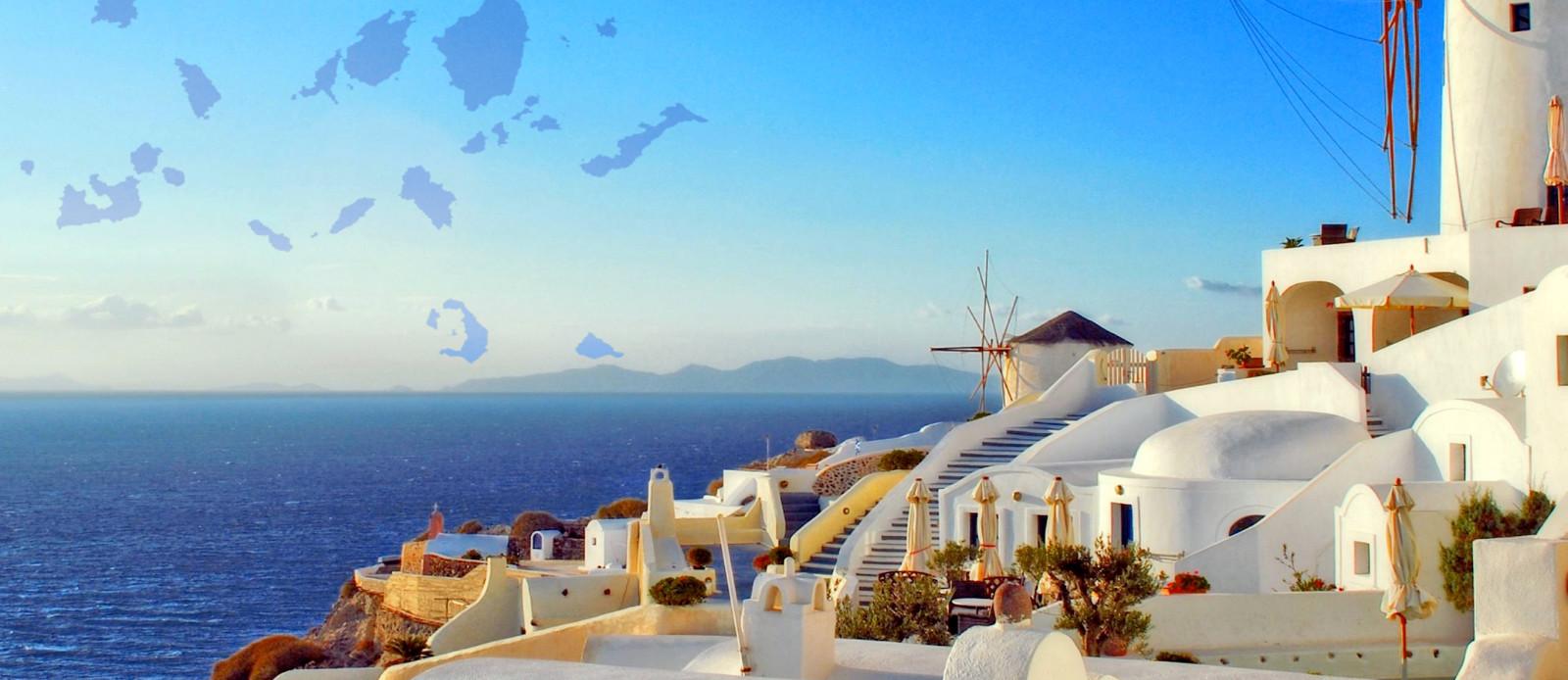 Sailing holidays in Greece Cyclades Islands